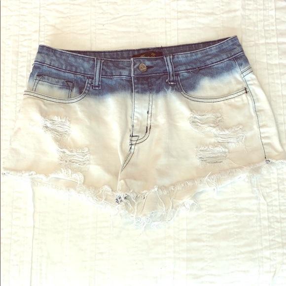 Urban Outfitters Pants - UO 🔹 High-waist Ombré Denim Shorts